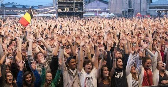 Music festival volunteers (www.cadip.org)
