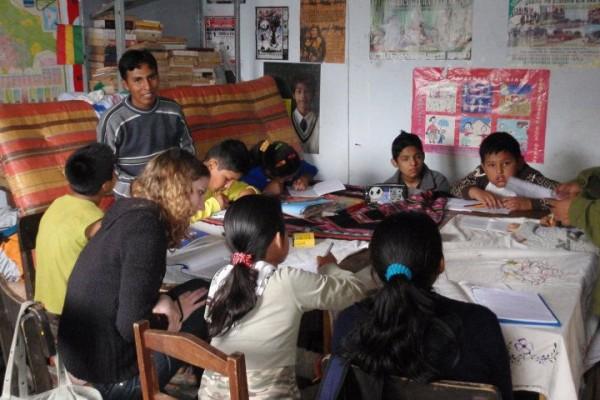 Volunteer in Bolivia (www.cadip.org)
