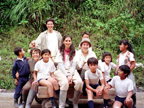 Cadip volunteers in Ecuador (www.cadip.org)