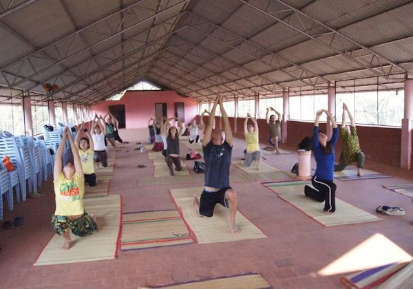 Yoga experience in India (www.cadip.org)