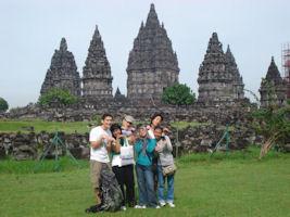 Volunteer in Indonesia (www.cadip.org)