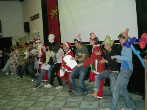 Merry Christmas and Happy New Year for disadvantaged Vietnamese kids
